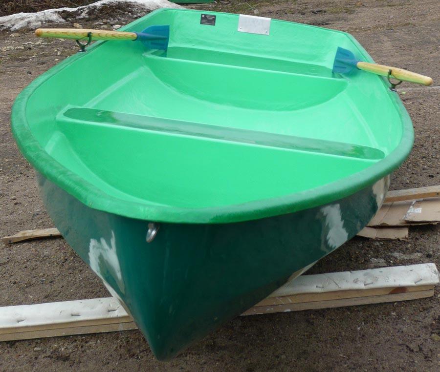 Гребная лодка из стеклопластика